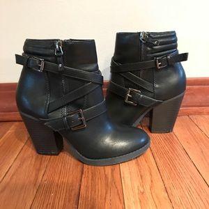 🔶 Black Booties